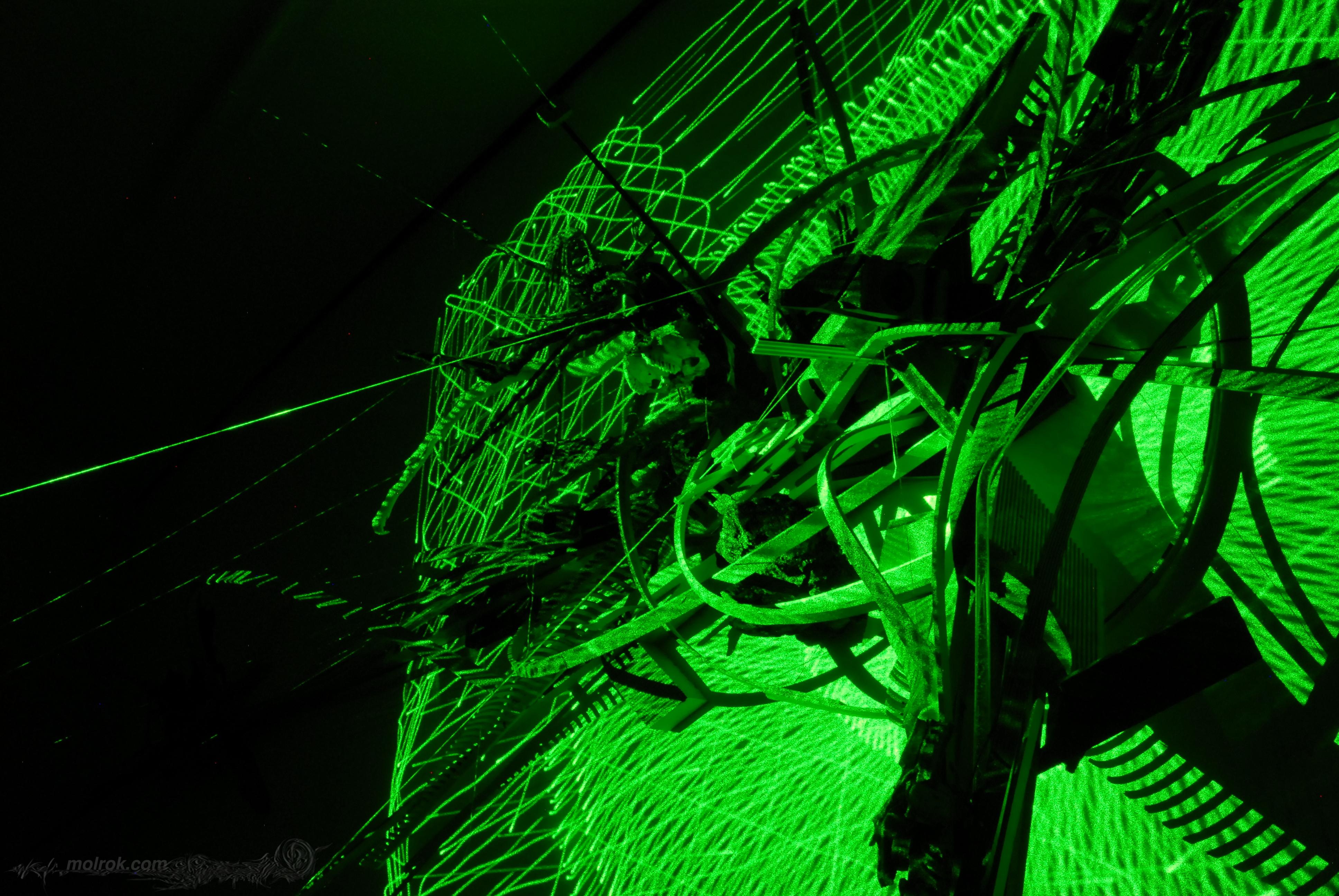 molrok-laser1